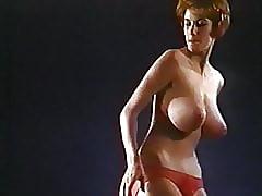 Huge Tits xxx tube - xxx vintage movie