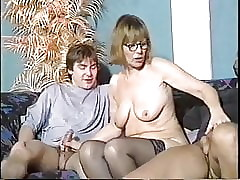 Mature xxx tube - 70s amateur porn